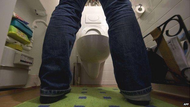 男人尿完后常会抖一下是为什么呢